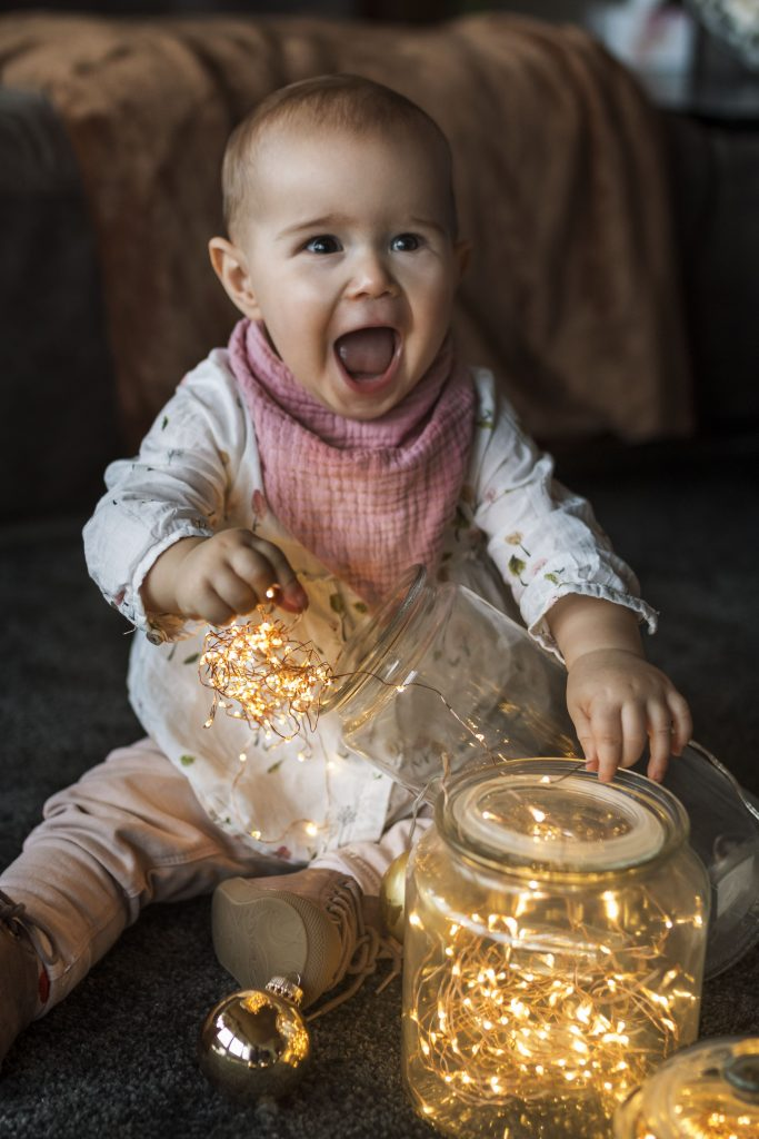 Lachendes Baby beim Babyshooting